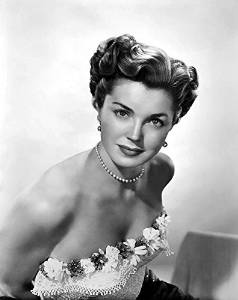 Biography of Esther Williams, famous movie star and swimmer