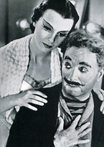Claire Bloom and Charlie Chaplin in Limelight