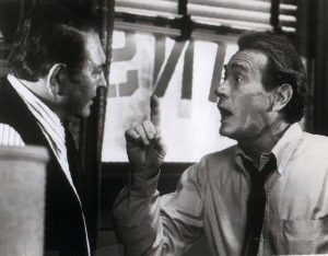 Antonio Vincenzo (Simon Oakland) arguing with Carl Kolchak (Darren McGavin)