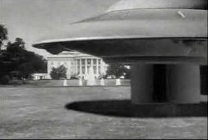 A flying saucer lands in Earth vs. the Flying Saucers