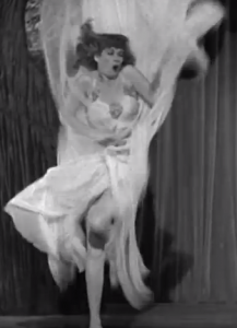 Song lyrics toMother, What Do I Do Now? sung by Lucille Ball inDance, Girl, Dance