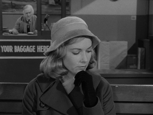 Mirror Image - Twilight Zone season 1