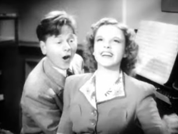 Mickey Rooney and Judy Garland singing in Babes in Arms