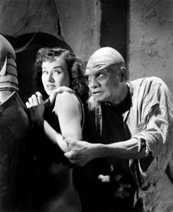 Paulette Goddard being scared by the zombie (Noble Johnson) in The Ghost Breakers