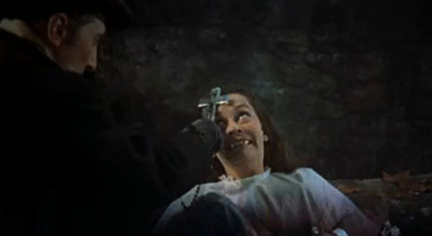 Van Helsing confronts Lucy - and saves the little girl