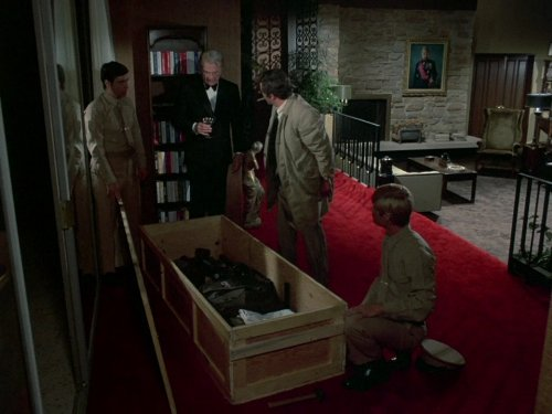 In Dead Weight, Columbo (Peter Falk) investigates the report of a shooting -- with retired military man Eddie Albert