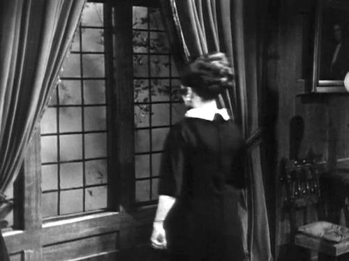 Dark Shadows episode 211 - A stranger arrives at Collinwood, introducing himself as Barnabas Collins, a cousin from England.