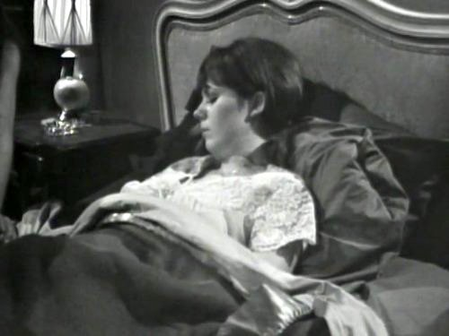 Dark Shadows season 2 episode 235 - Maggie Evans dying?
