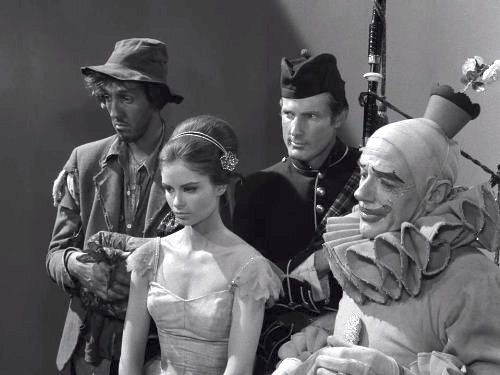 Five Characters in Search of an Exit - the Twilight Zone season 3