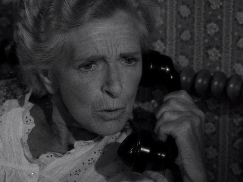 Night Call - The Twilight Zone season 5