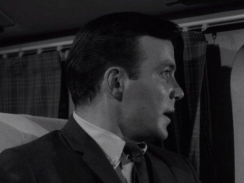 Nightmare at 20,000 Feet, starring William Shatner - The Twilight Zone season 5