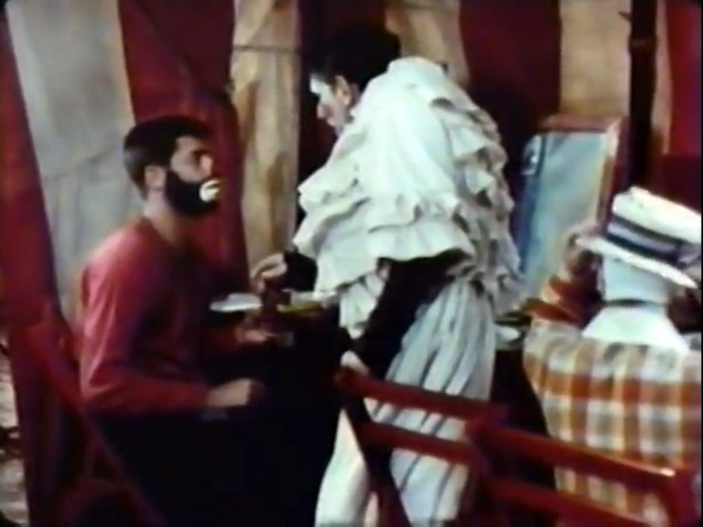 Jericho (Jerry Lewis) getting advice from an experienced circus clcown