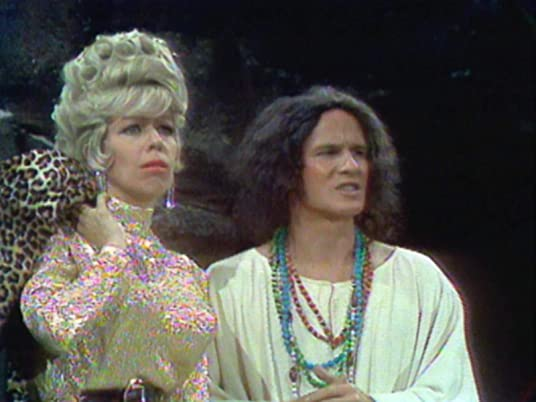 The Carol Burnett Show season 1, episode 7 - Carol Burnett and the Smothers Brothers