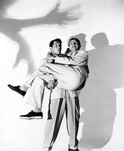 """Publicity photo of Dean Martin and Jerry Lewis in """"Scared Stiff"""""""